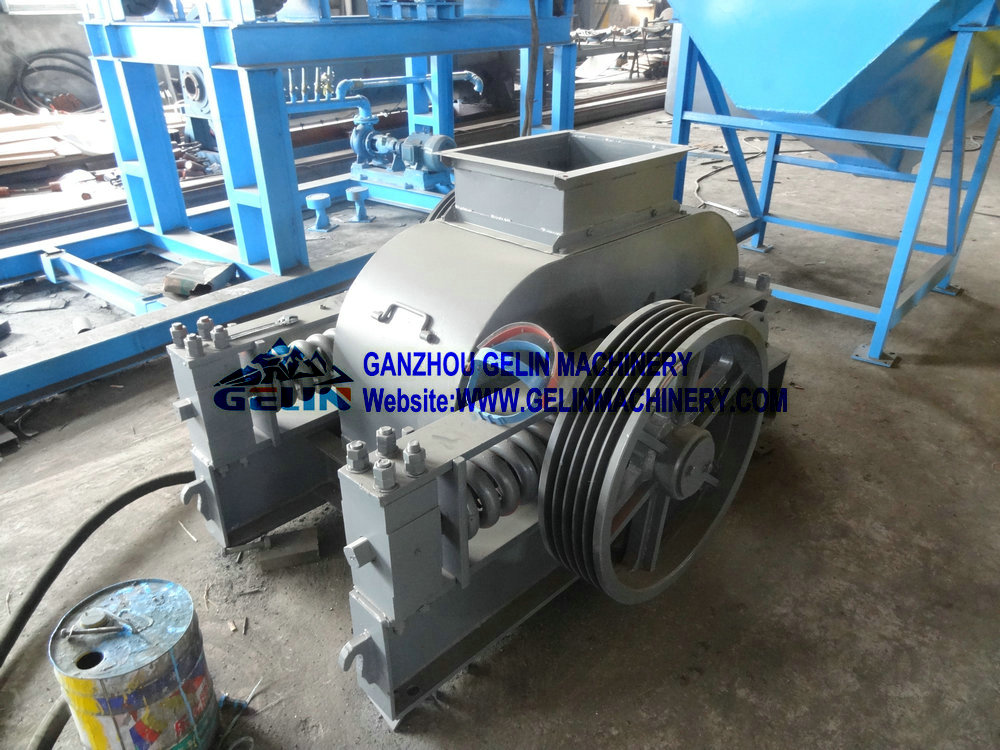Double rollers crusher